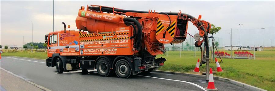Ciśnieniowe czyszczenie kanalizacji - pojazd Wiedemann&Reinhardt SUPER2000